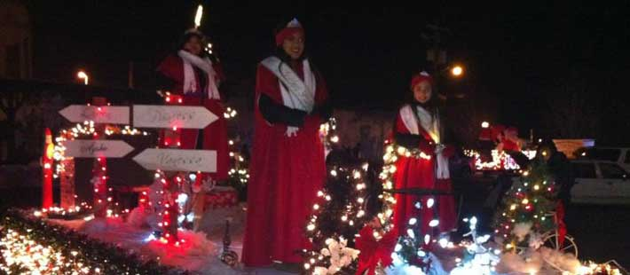 Mabton Royalty at Sunnyside Holiday Lights Parade